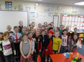 P6 dressed for European Languages Day